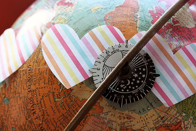 globe striped heart close