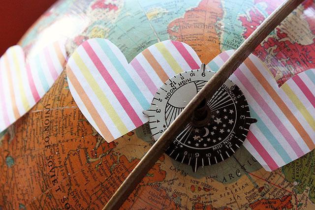 globe striped heart close