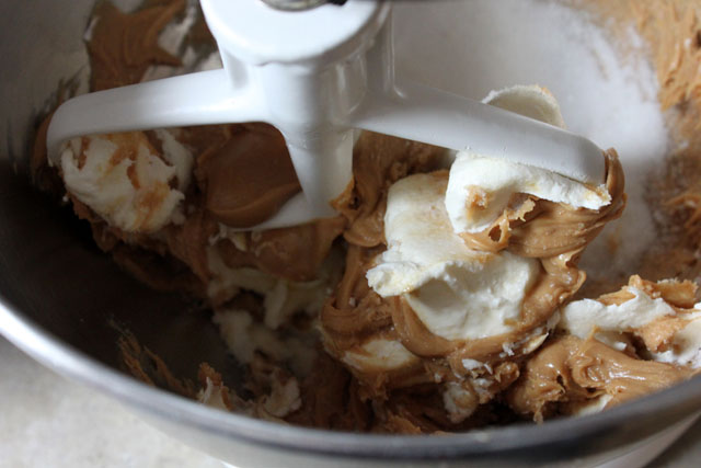 4 mixing peanut butter mousse 1