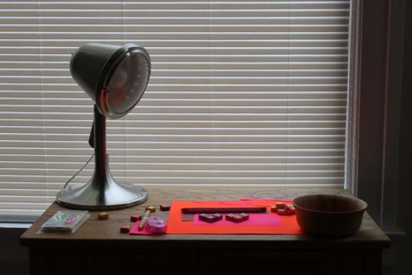 valentine starburst writing table