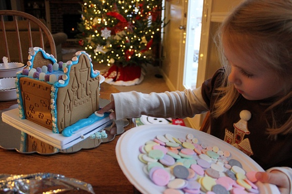 candy plate decorating gingerbread castle