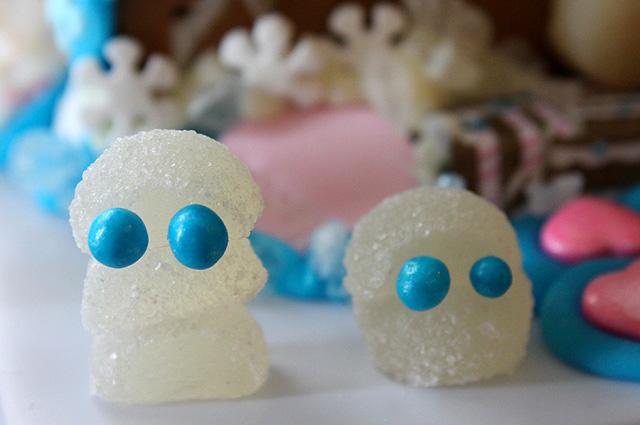 gumdrop snowman alien
