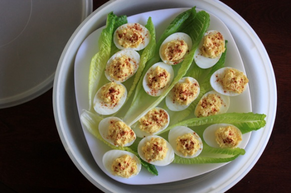 1 deviled eggs on romaine in tupperware