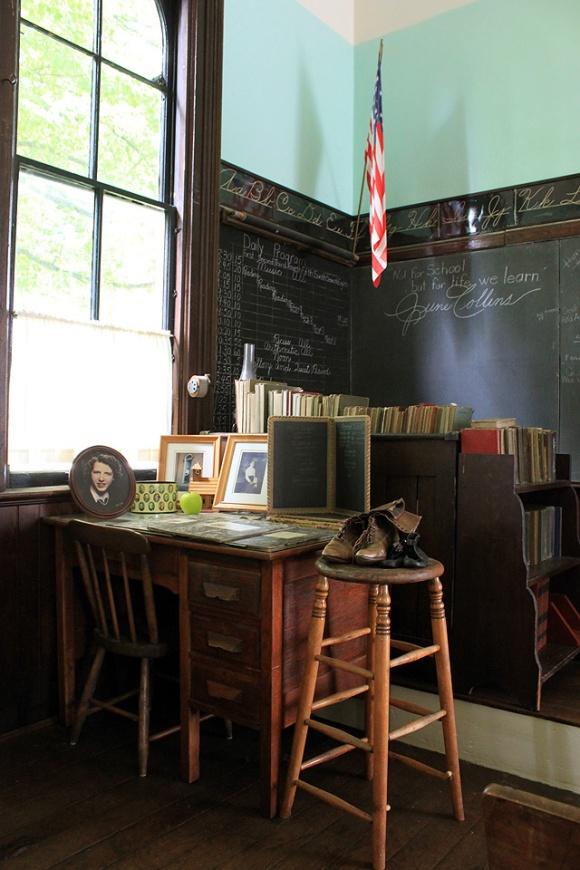 1 collins schoolhouse teacher desk