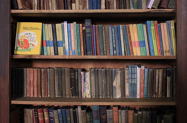 3 collins schoolhouse bookshelf magic windows