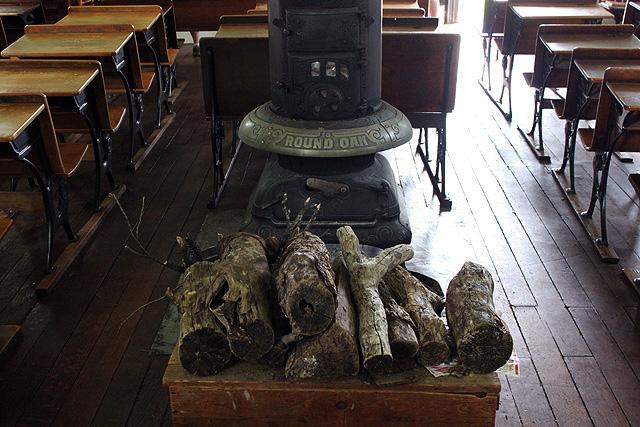 7 collins schoolhouse wood stove