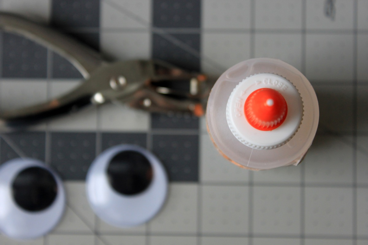 Google Eyes Hole Punch Craft Glue